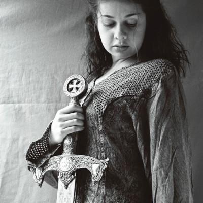 Pily con espada